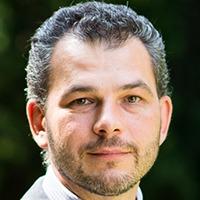 Evgeny Káganer | IESE Business School